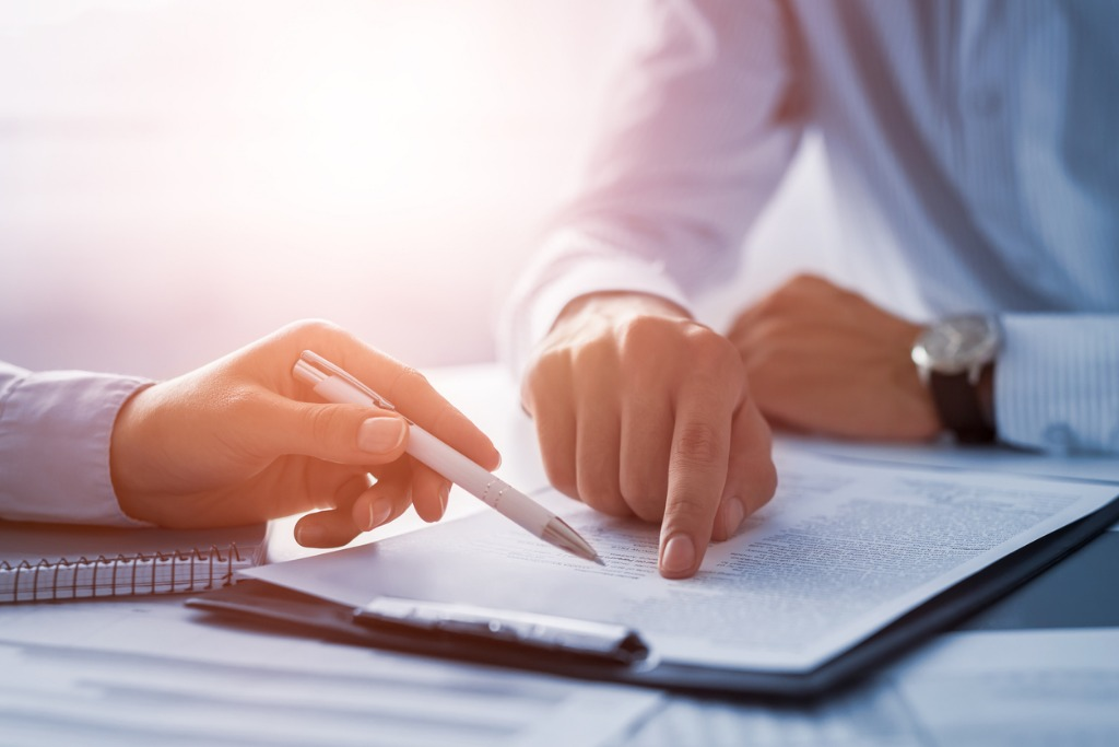 Personal Injury: To Settle Or To Sue?